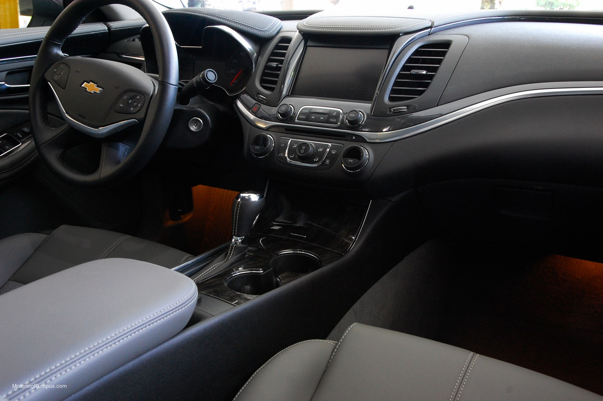 2014 Chevy Impala Review - Motoring Rumpus