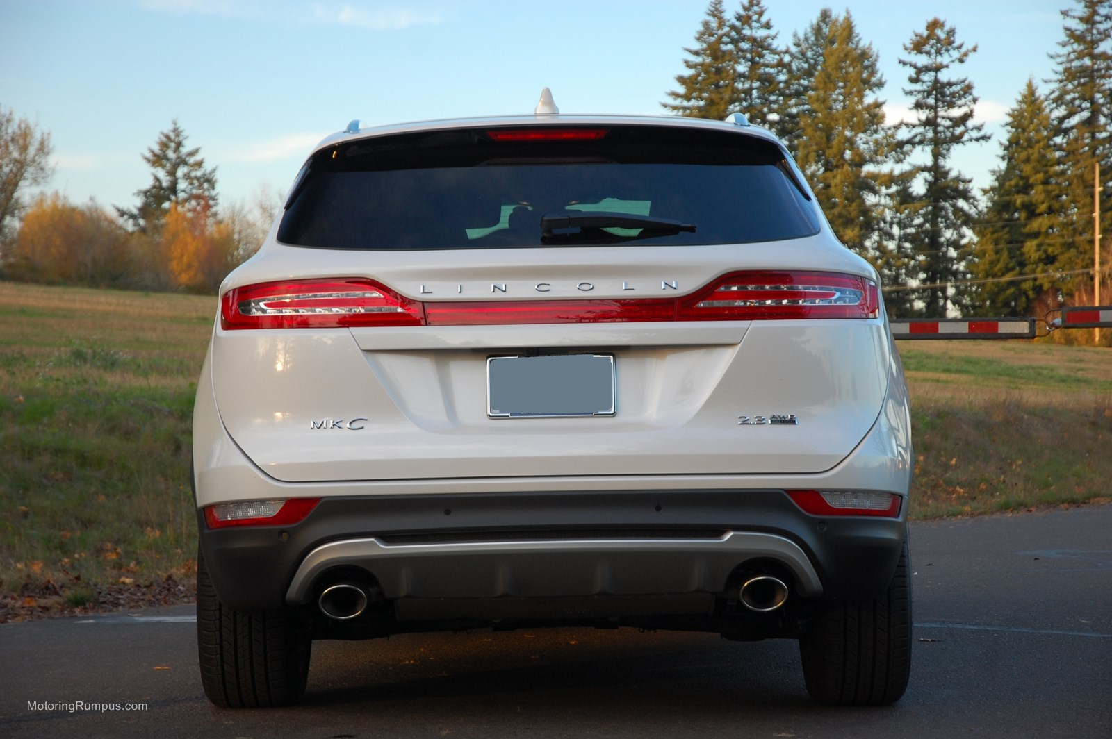 White Ford Escape >> 2015 Lincoln MKC Review - Motoring Rumpus