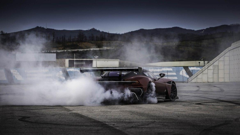 Aston Martin Vulcan_JMP