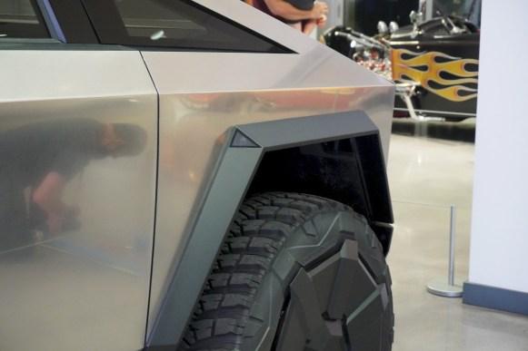 Tesla Cybertruck_02