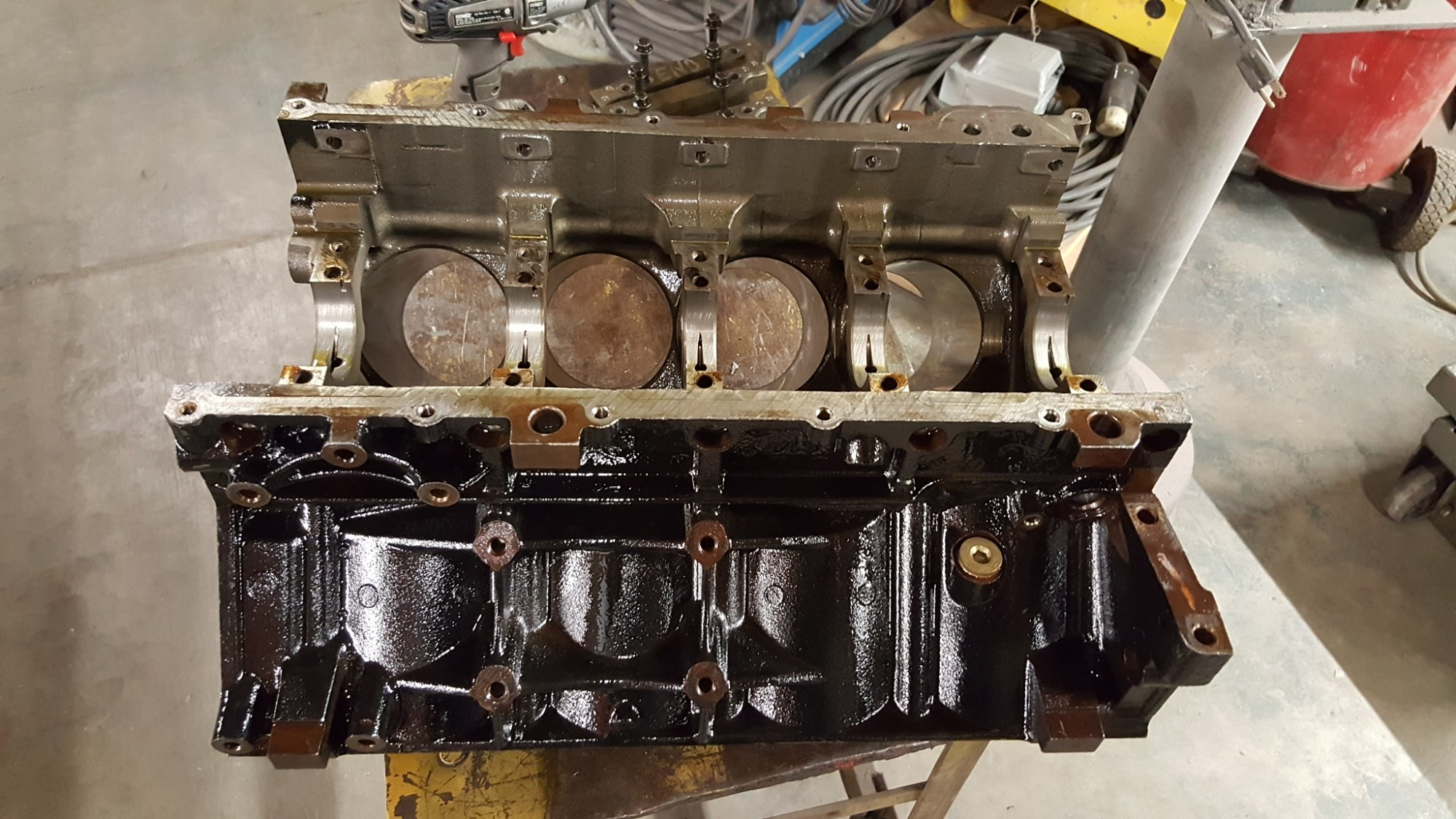 hight resolution of this is a chevy gm ls lq9 6 0 liter cast iron v8 engine cylinder block we did a bore hone to all 8 cylinders and finished them for a new set