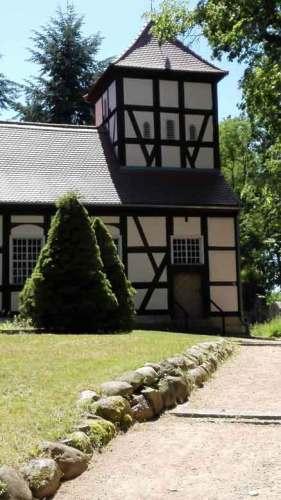 Fischerkirche Ferch vom Friedhof aus
