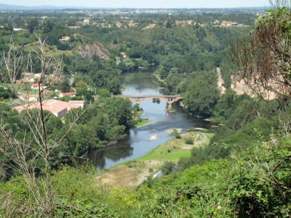 Pont de Villerest bei Roanne im Département Loire, aufgenommen bei einer Motorradtour an die obere Loire