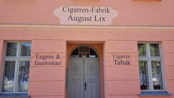 Zigarrenfabrik August Lix in Dahme (Mark), besucht bei einer Motorradtour zu Architektur und Musik in Brandenburg