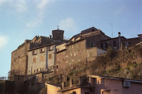 Altstadt von Sutri in Latium mit Festung und Kirche
