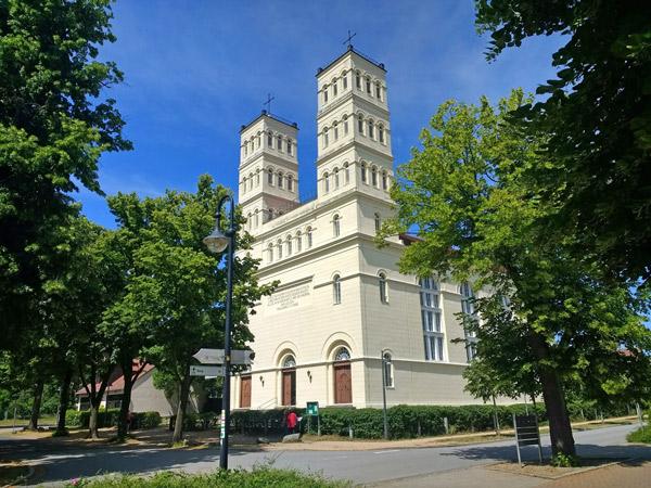 Schinkelkirche in Straupitz (Spreewald), gesehen bei einer Motorradtour durch Spreewald und Tagebaue