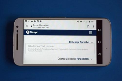 Startbild der Smartphone App DeepL als Beispiel für praktische Smartphone-Apps für Motorradtouren