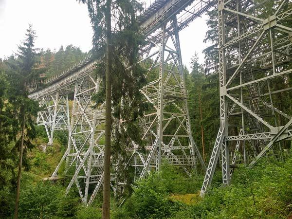 Brücke, auf Motorradtouren: Ziemestalbrücke im Thüringer Wald