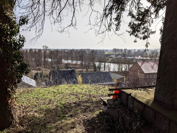 motorradtour durch das oderbruch: panorama von der kirche neutornow aus