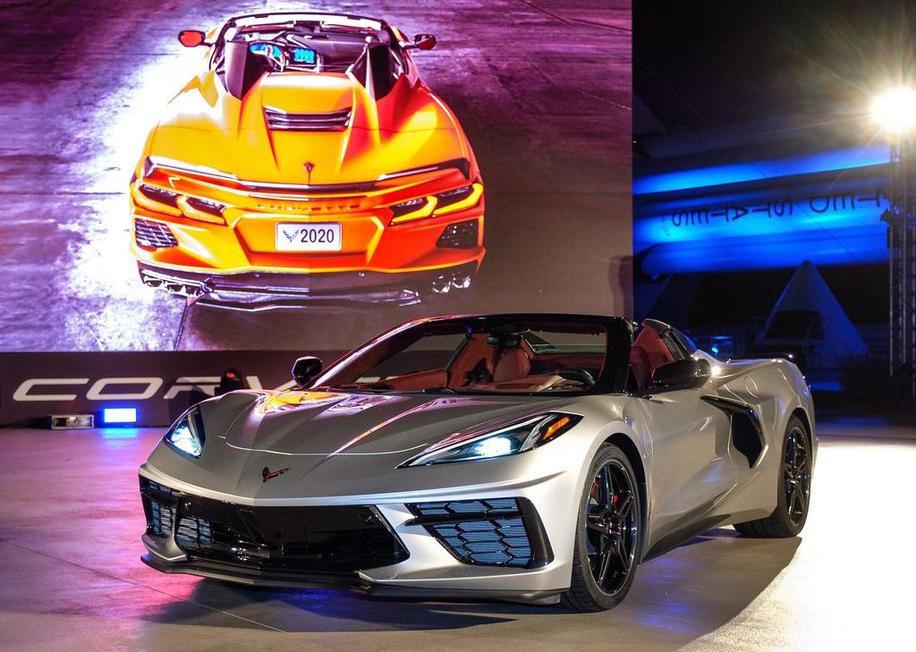 hevrolet-Corvette_C8_Stingray_Convertible-2020