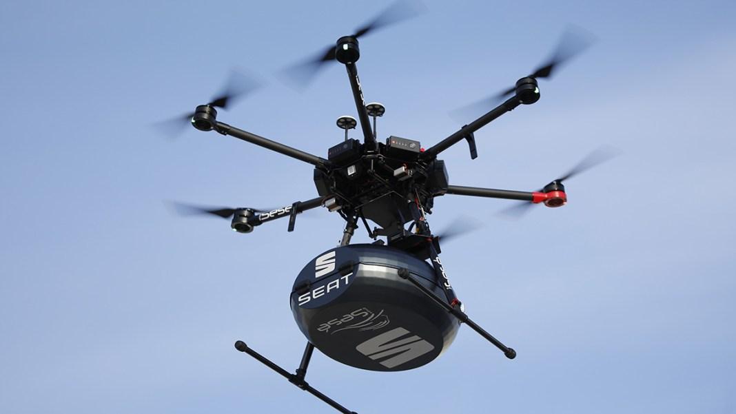 SEAT lance un projet pionnier qui met à profit des drones pour transporter des pièces détachées