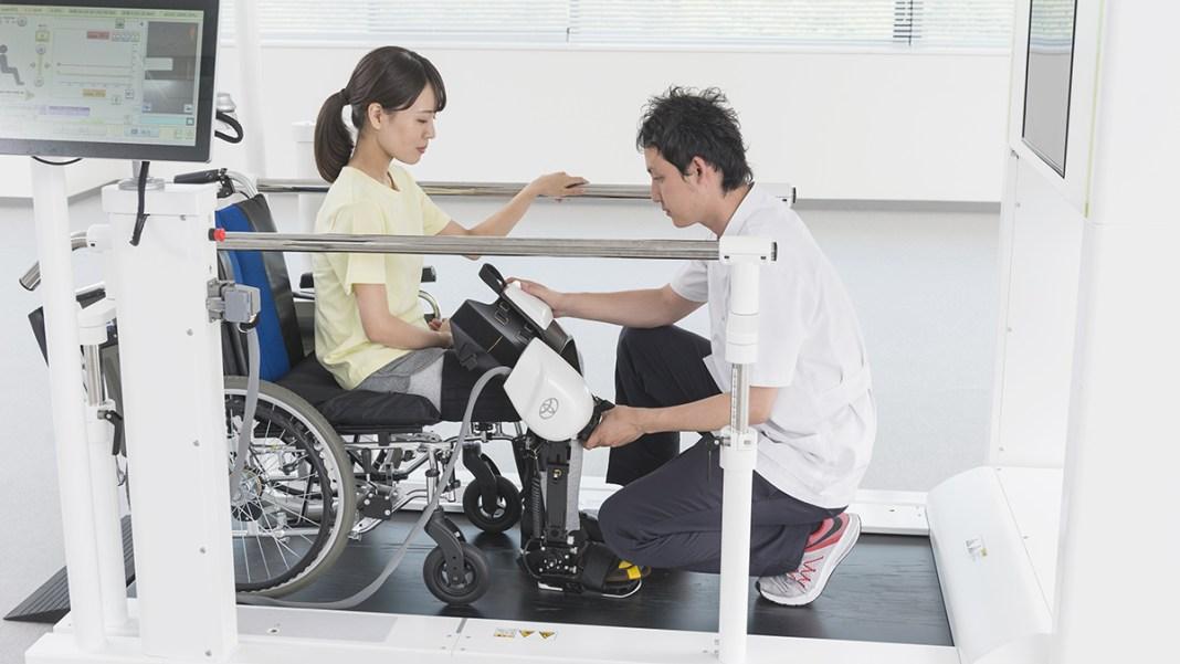 Le robot Toyota d'aide à la rééducation évolue pour devenir le Welwalk WW-2000