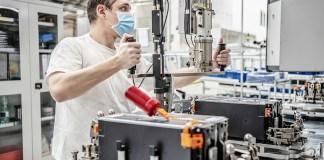 SKODA redémarre la production des batteries de traction à haute tension