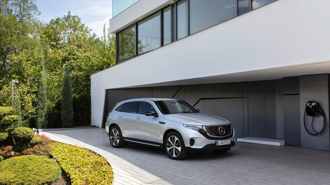 Proxiserve fait confiance à NewMotion pour déployer 1 000 bornes de recharge pour véhicules électriques dans 200 concessions Mercedes-Benz/smart en France et à Monaco