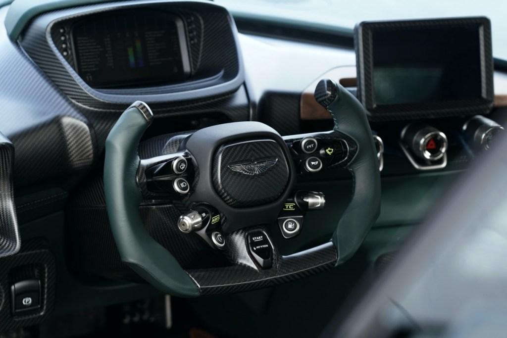 Aston Martin-Victor
