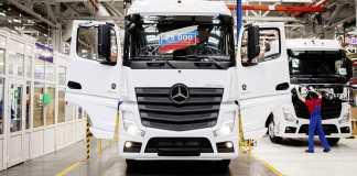 Le 25 000è camion Mercedes-Benz sorti des chaînes de l'usine d'assemblage Russe DK RUS de Naberezhnye Chelny (Tatarstan)