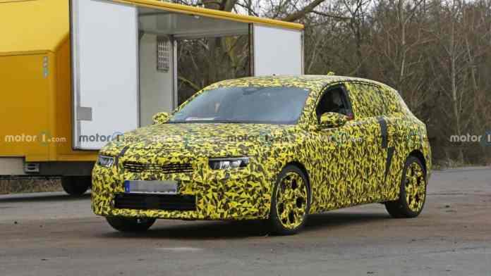 Opel Astra 2022 - crédit photo Motor1