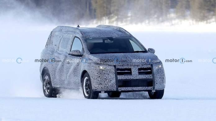 Nouvelle Dacia Logan MCV 2022 - crédit image motor1.com