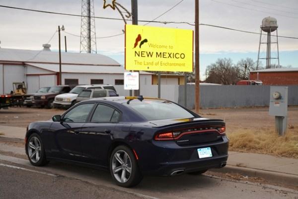 El Charger en una de las fronteras entre Texas y Nuevo México. El pueblo que queda en este punto en específico se llama Texico.