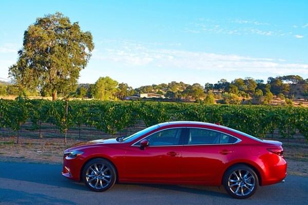 El Mazda6 pertenece al segmento de los sedanes medianos.