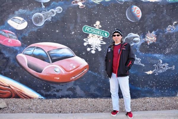 Un mural con Volkys espaciales en Roswell.