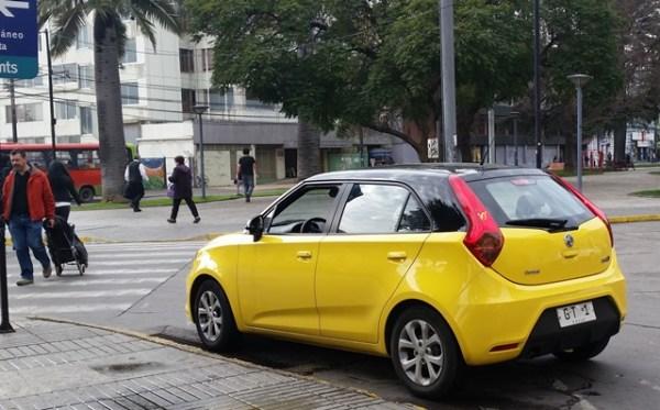 En la ciudad de Valparaíso, Chile, vi uno de los modelos más recientes de MG, el MG 3.