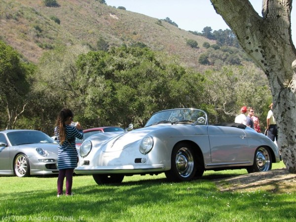 Mientras cubría la edición del 2009 del Concorso Italiano, en Laguna Seca, California, me topé con esta niña que por sí solita estaba fotografiando este Porsche Speedster. Tan pequeña y con tan buen gusto. Foto: Andrés O'Neill, Jr.
