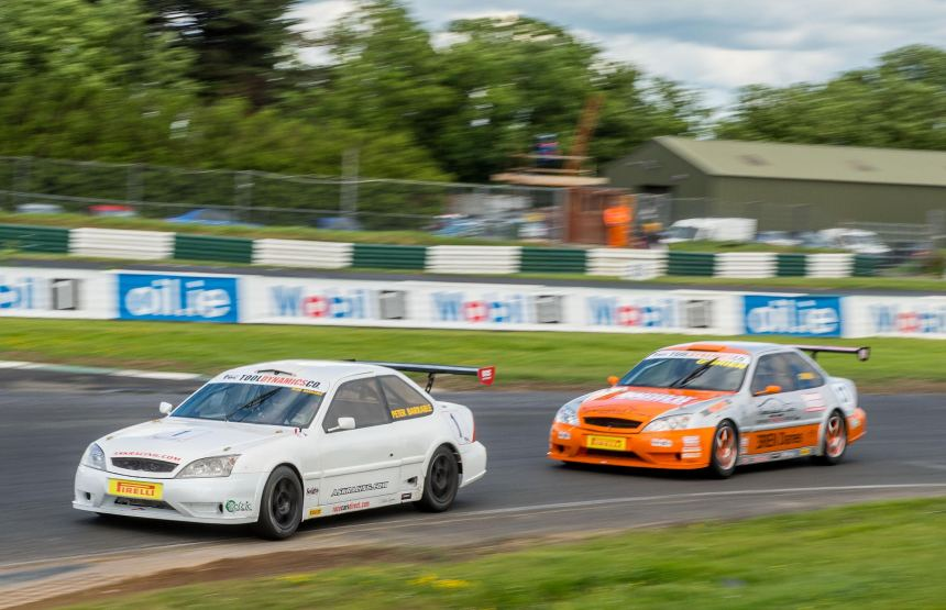 Barrable and O'Brien battle for Supercar honours before they came together at Turn 2.