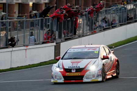 Gordon Shedden (GBR) Honda Racing Team Honda Civic Type-R