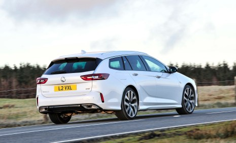 Insignia GSi Sports Tourer b