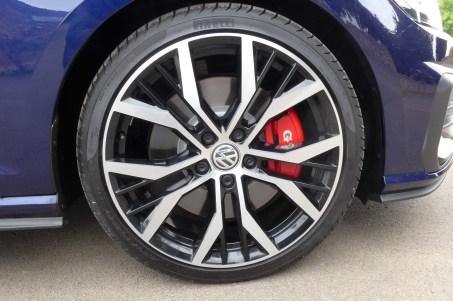 VW Golf GTi Performance d (1)