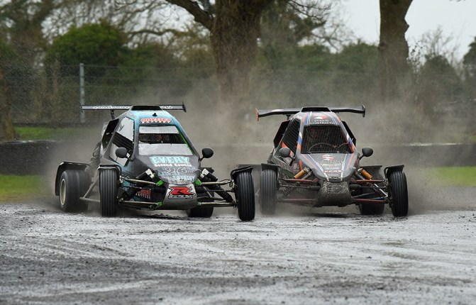 Biggies battle through the Mondello puddles.