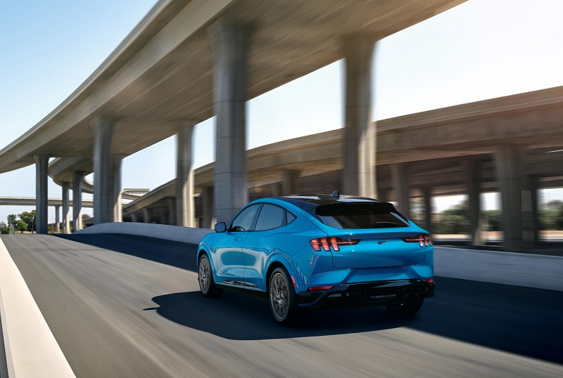 Ford Mustang E GT b