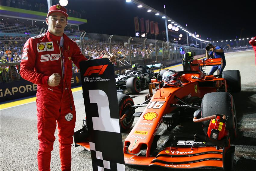 leclerc il video della pole position al gp di singapore