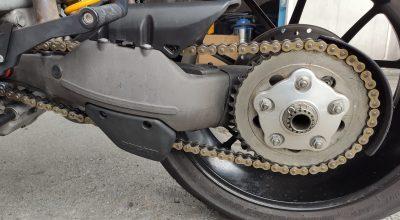 guida come pulire e ingrassare la catena della moto la guida