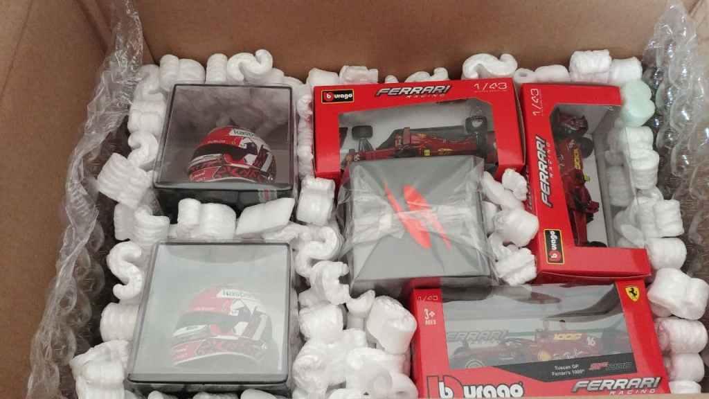 imballaggio modellini motorsport clan