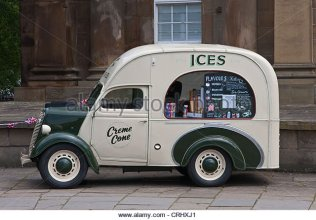 old-ice-cream-van-crhxj1