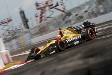 James Hinchcliffe whips through turn 1 during the Firestone Grand Prix of St. Petersburg on Sunday Mar. 12, 2017.