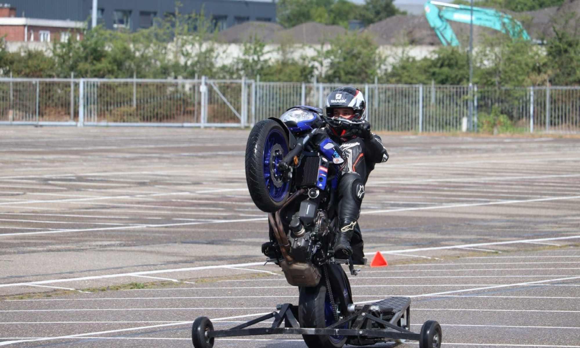 wheelies wheeliecursus volgen motor