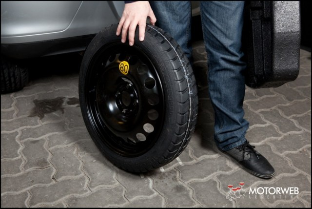 2013-08 TEST Chevrolet Onix Motorweb 51 copy