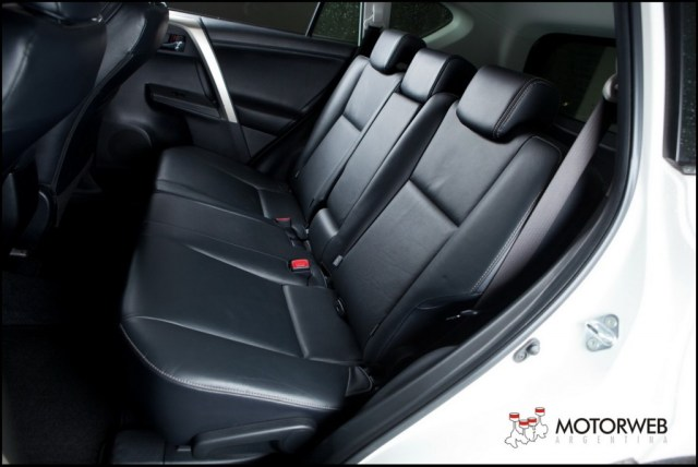 2013-10 TEST Toyota Rav4 Motorweb Argentina 067