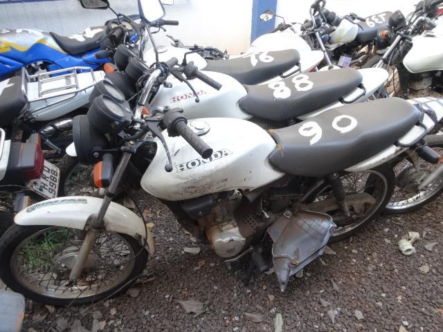 Leilão tem moto Honda CG
