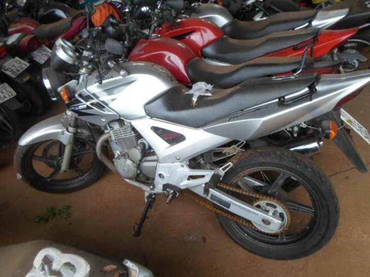 Leilão tem Honda CBX 250 TWISTER com lance inicial de R$300
