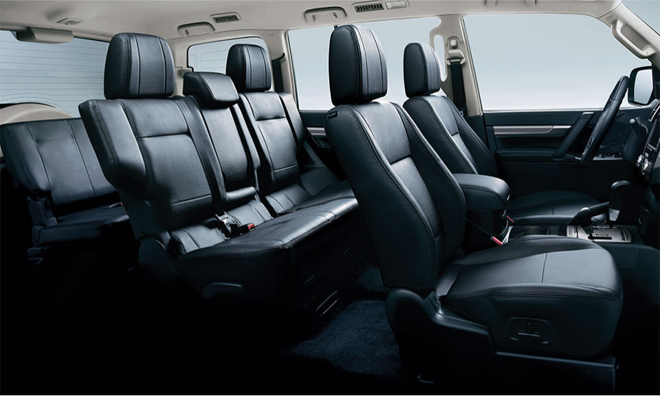 2016 Sport Mitsubishi Interior Pajero