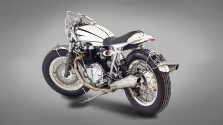 Triumph Bonneville Ton-Up Garage