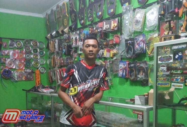 Krisdianto (Owner & Juga Modifikator N_A Modified)-Workshopnya Disesaki Multi Custom Asesoris Racing Style