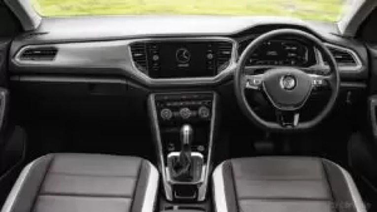 Volkswagen T-Roc dashboard