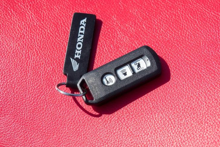 スーパーカブC125のスマートキー