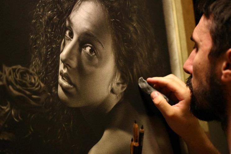 Este artista pasa cientos de horas dibujando obras hiperrealistas con técnica renancentista - Emanuele Dascanio 3