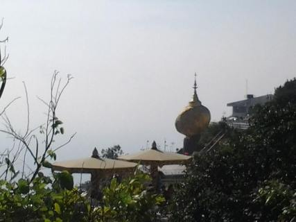 ミャンマー観光地:チャイティーヨーパゴダ